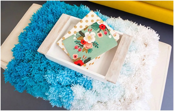 Are you ready to make DIY pom-poms this Christmas?